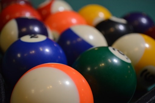 How to clean pool table balls