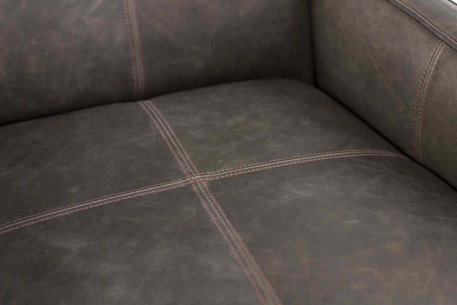 Pictured in London Maple Finish with Dolomite Anthracite Leather